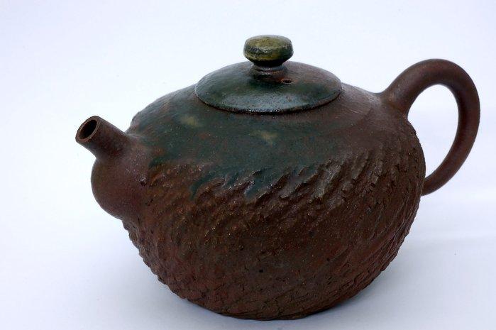 和平藝坊分享~張國森老師手拉坯鴿嘴跳刀紋柴燒壺之8容量:580cc
