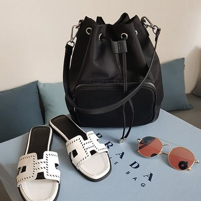 DG韓系鞋坊-韓 質感防潑水 水桶包 手肩包手提 後背包  束口小包大容量【20S0202】現貨+預購