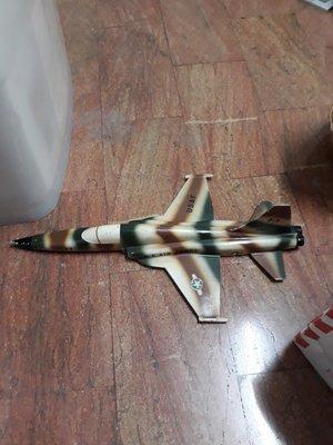 {詠鑫}-早期超大台虎斑鋁質F5E戰機模型