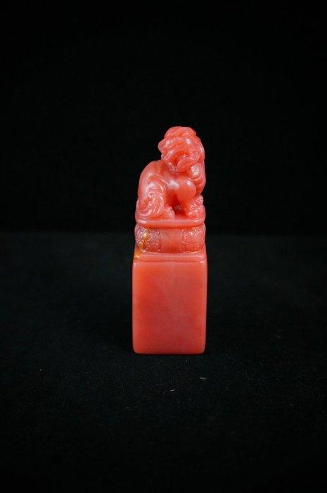 國之瑰寶~~巴林石 ~~罕見粉凍胭脂 女儿紅 大紅袍 (瑞獸)