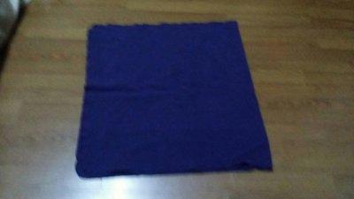 紫藍色毛毯9成新132x72cm(米色suz袋)