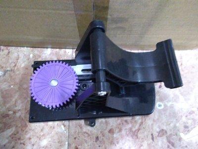 『殺肉貨』NO.999 好神拖 腳踏式水桶配件 踏板底座組 大齒輪+排齒+拉簧+公釘+母釘+踏板底座+踏板 1入免運