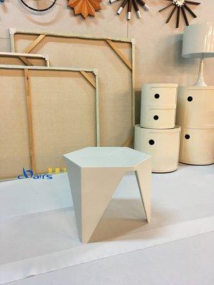 【挑椅子】日本設計師設計 Prismatic Table 六角小茶几 (復刻品) TA-002 白色