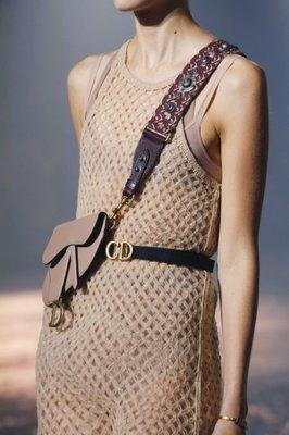 Dior 腰包 限定款 皮質配腰帶 裸膚