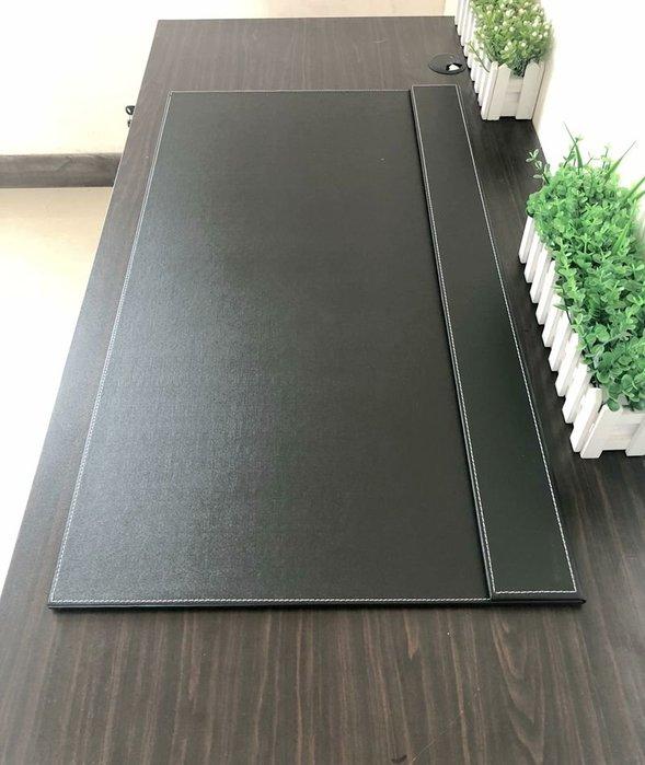 衣萊時尚-辦公桌墊寫字墊板電腦鼠標墊大班臺書桌墊皮質硬面加厚防水超大號(尺寸不同價格不同)