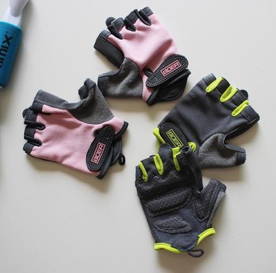 健身手套 運動手套 男女同款防滑半指訓練單車健身房啞鈴護手掌—莎芭