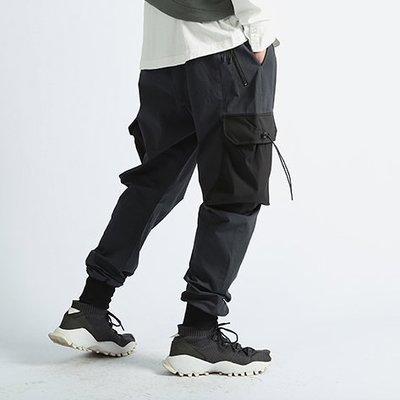 ∵ PRAY FOR FASHION ∴城市機能大口袋立體剪裁運動機能風戰術立體彎刀褲型剪裁羅紋束腳慢跑褲
