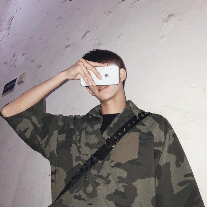 【免運】夏季日系軍事風OV寬鬆迷彩短袖襯衫bf風潮流 【極有家創意生活館】
