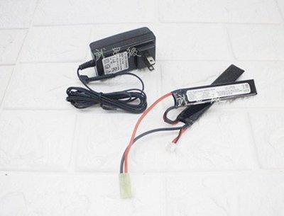 台南 武星級 7.4V 鋰電池 兩片式+ 7.4V 充電器 (鋰鐵充電電池EBB AEG電動槍AR步槍M4後托BB槍
