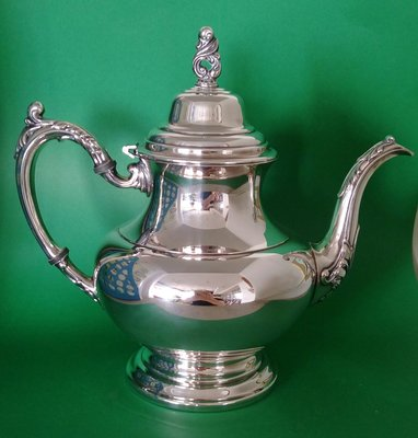 264 高級英國鍍銀壺 Oneida Silver Plate Tea Pot Floral Design