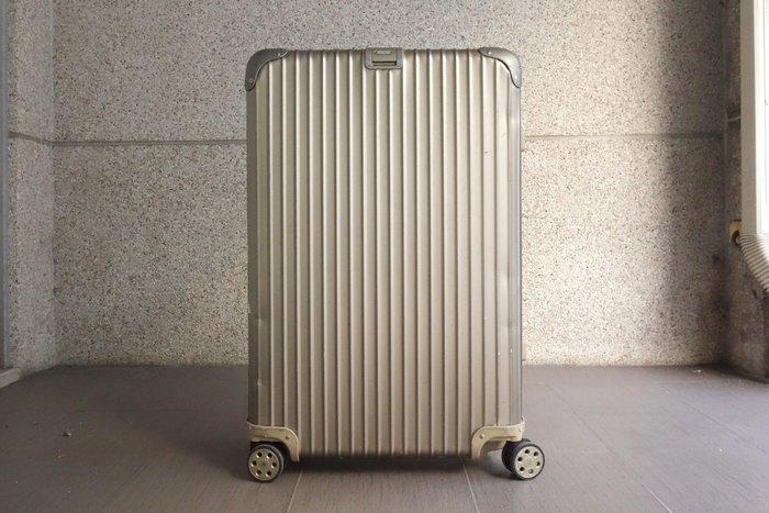 【台中青蘋果】RIMOWA Topas Titanium 中型四輪旅行箱 92070034 #44993