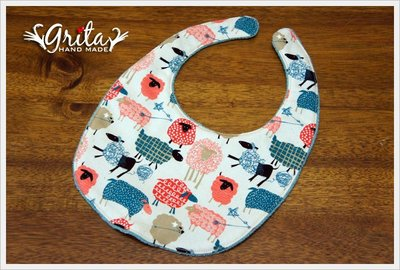 ♥gritas handmade♥純棉手作嬰幼兒圍兜兜/領巾/口水巾/三角巾/彌月禮—可愛綿羊