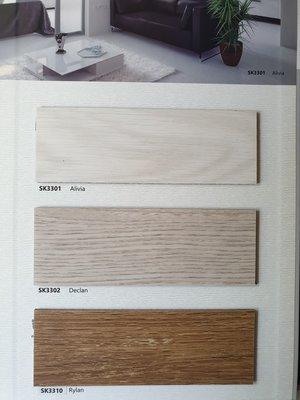美的磚家~超值特價!表層UV塗佈超耐磨匠藝塑膠地磚塑膠地板~質感優防焰耐磨~15cm*90cm*3m/m每坪1000元
