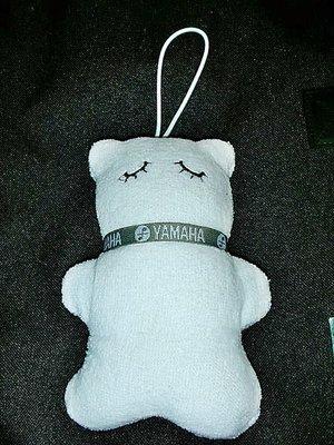 L.(企業寶寶玩偶娃娃)此款少見全新YAMAHA山葉絨布娃娃吊飾!!--值得收藏/6房木箱/-P
