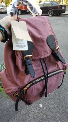 全新 Burberry backpack  金鏈 黑色 後背包 中款 酒紅色 現貨