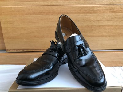 Black leather shoes size: 42.5 (still new)