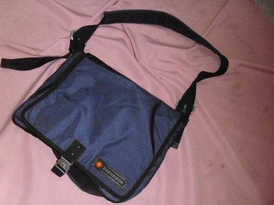 """""""TOUGH""""帆布大背包---容納量大,堅固耐用的包包"""