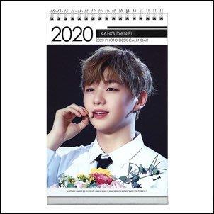 【 特價 】Wanna One Kang Daniel 姜丹尼爾 韓國進口 2020 ~ 2021 直立式照片桌曆
