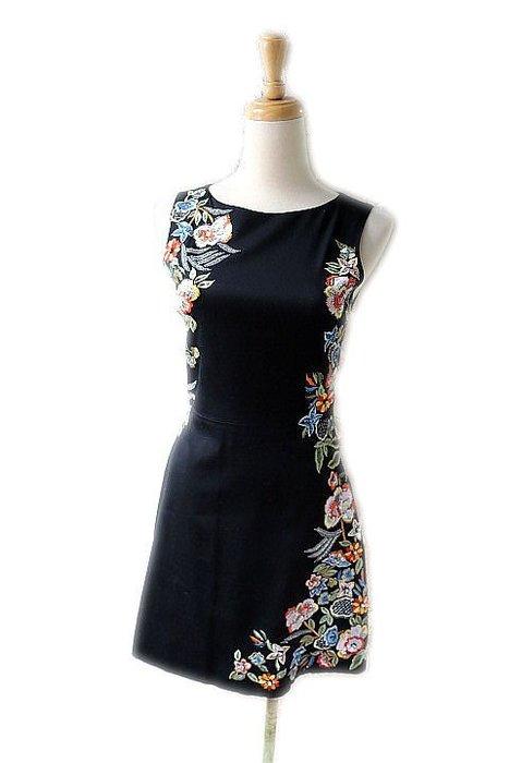 *Beauty*alice+olivia黑底彩色繡花背心洋裝 0  號 13800元W18