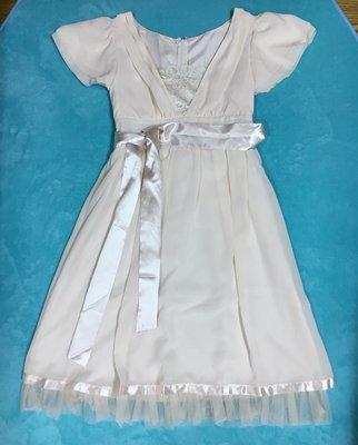專櫃品牌 日系設計 V領蕾絲 荷葉袖綁帶 波浪雪紡連身裙 洋裝 小禮服 甜美氣質 保證賠本售出