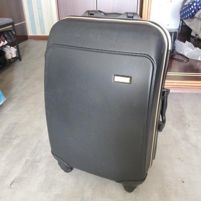 四輪360度旋轉26吋硬殼行李箱 - 黑金配色