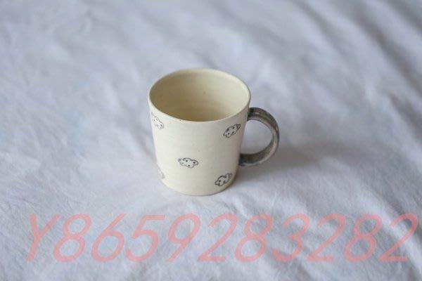 〖洋碼頭〗日本陶藝作家手作 手繪撞色拼接童話風粗陶馬克杯 咖啡杯 茶杯 C203