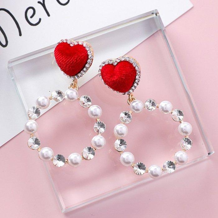 【Love Trina】A2113-8159。 925銀針。紅色絲絨愛心縷空圓圈鑲鑽珍珠耳針式耳環--銀針(1色)