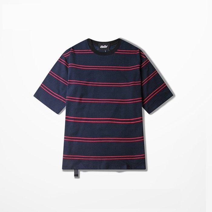 休閒款 男生上衣 雙線條紋短袖 圓領短袖 條紋短袖 五分袖 短袖 簡約風 流行 寬鬆  【MT42】