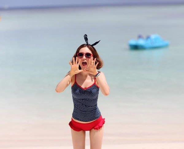 八號倉庫  日單-點點小可愛游泳衣泳裝藍紅色比基尼 M-L-XL【2Z013A0054】