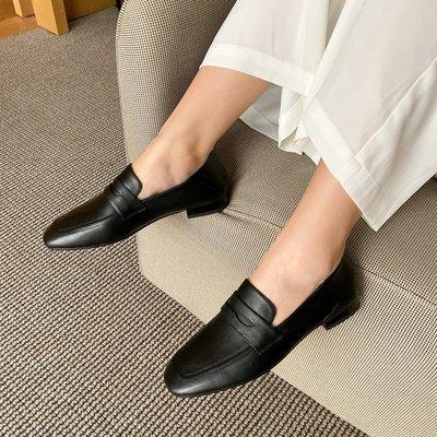CC QUEEN*英倫方頭小皮鞋 軟皮百搭平底鞋 復古鞋懶人鞋 真皮樂福鞋/跟高2CM 33-41碼『白色 黑色』