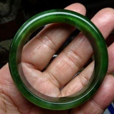 天然玉化 滿綠和闐菠菜碧玉 寬版手鐲