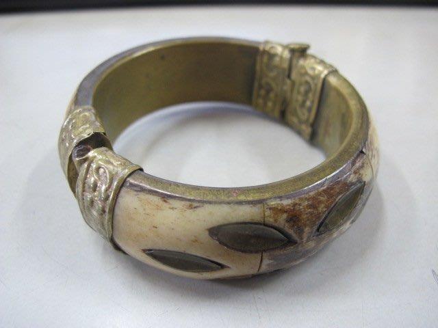 二手舖 NO.4048 古早骨雕造型手環 手鐲 活動扣 可打開 首飾飾品