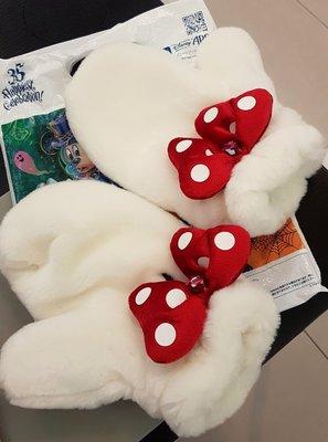 Disney 米妮超可愛超保暖手套,全新日本帶回出售,暖呼呼。質感優秀含運520元出售。