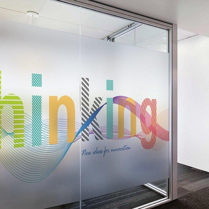 爆熱款--可定制靜電免膠玻璃貼ins彩色字母透光窗門貼膜辦公室隔斷膜#透明不透光#簡約個性#玻璃貼紙