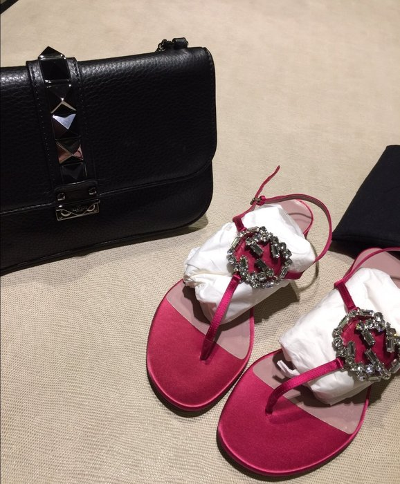 全新 Gucci 桃色水晶涼鞋 水鑽夾腳鞋