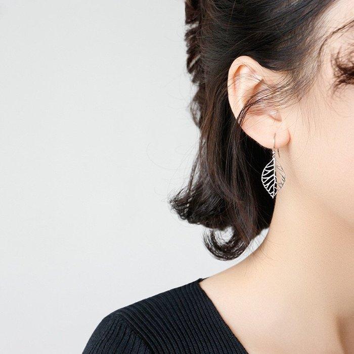 《現貨》925純銀時尚復古做舊不規則鏤空樹葉耳釘 耳飾 耳環 耳針 生日情人節 聖誕節 Baonizi