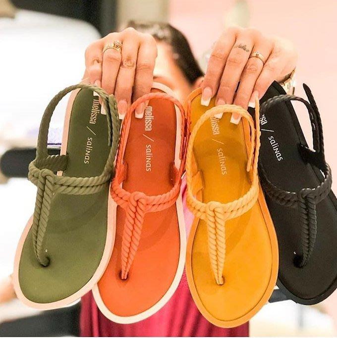 【巴西美鞋代購 】 梅麗莎 Melissa 女款 編織T字型軟墊平底香香果凍涼鞋 女涼鞋 沙灘涼拖 女鞋