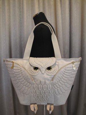 貓頭鷹羊毛展翅托特包,實品拍攝有店面,香港原廠授權🌟最特別的禮物都在奧爾思🌟