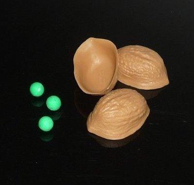 【意凡魔術小舖】核桃穀戲 Shell Game 殼戲塑膠版+教學 近距離魔術街頭賭博魔術