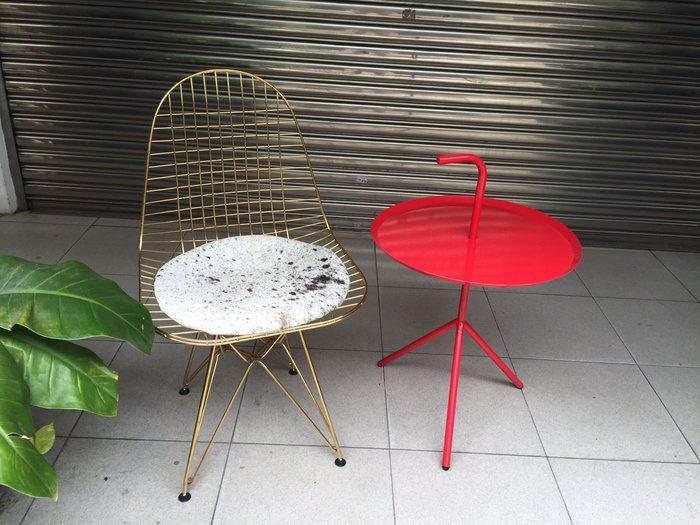 【 一張椅子 】 工業復古風 金色蚊拍椅 Charles & Ray Eames Wire Chair DKR 復刻版