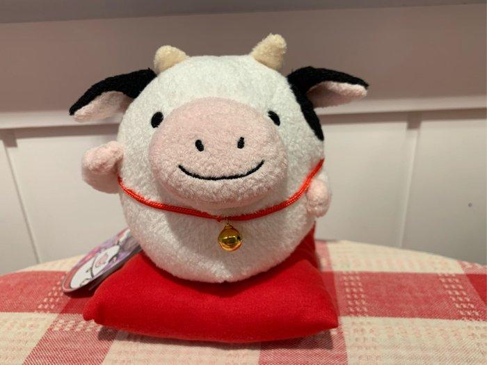 *黑頭小羊雜貨小舖*日本帶回zakka~牛年絨毛乳牛招福擺飾/牛年招福玩偶/牛年娃娃