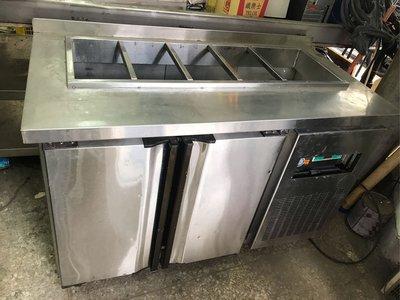 二手商品/ /  四尺工作檯冰箱/ /  沙拉吧台 新北市