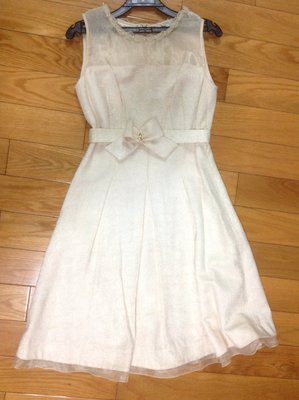 專櫃品牌 CHILLY 米色典雅提花金絲洋裝