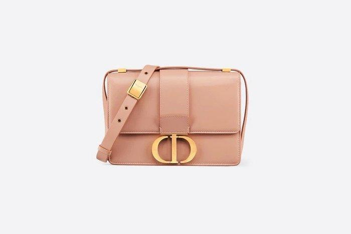 Dior 蒙田30 歐洲 共5色  法國連線接單中11/28-12/6 $104000/個。台灣售價11萬多