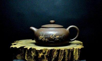大金壺-早期中國宜興原礦老紫泥   土胎漂亮 好泡好養 手工泥繪字畫貼花