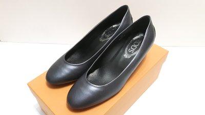 TODS 全新 金屬黑 低跟鞋 高跟鞋 圓頭包鞋 35號 399 1元起標可用三 倍 振 興 卷