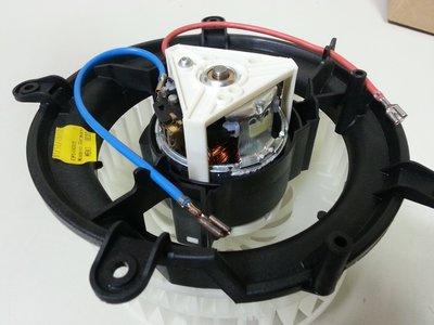 W210 鼓風機馬達 (恆溫.全按鍵配備用) 冷氣馬達 風扇 開關 風速馬達 Hella製 2108206842