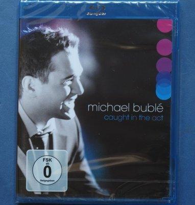 麥可布雷/魅力四射 現場演唱會(藍光BD) MICHAEL BUBLE/CAUGHT IN THE ACT 全新歐洲進口
