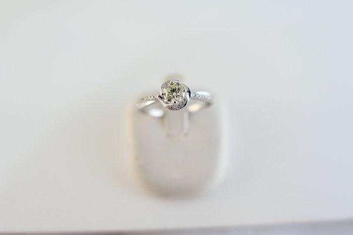 [吉宏精品交流中心]SOPHIA 蘇菲亞 31分 天然鑽石 白K金 八心八箭 造型 戒指