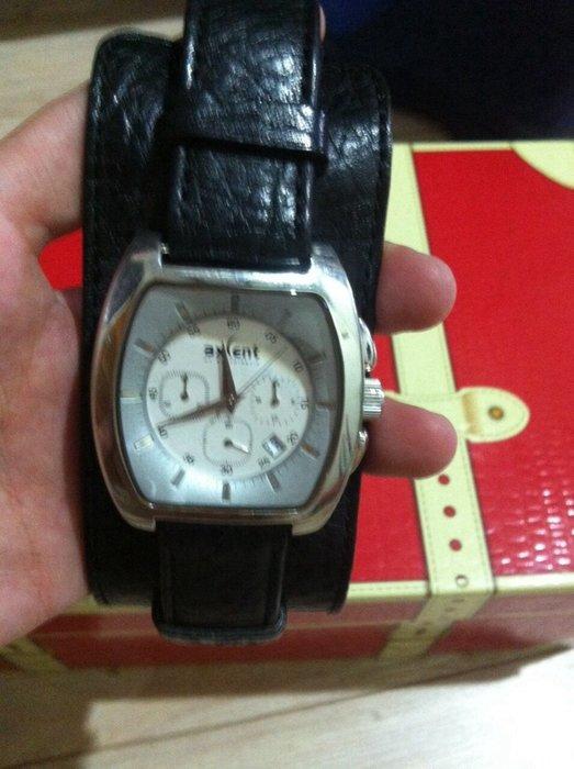 北歐設計手錶 錶帶牛皮 寬版錶帶 三眼防刮鏡面 2用手錶